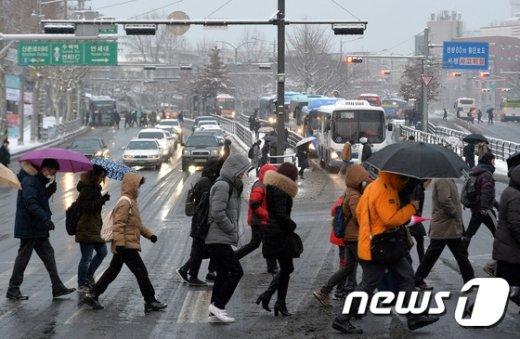 [사진]서울 대설주의보 '출근길 대란'