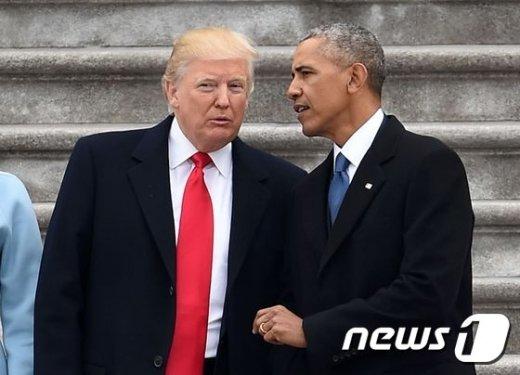[사진]트럼프, 퇴임한 오바마와 함께