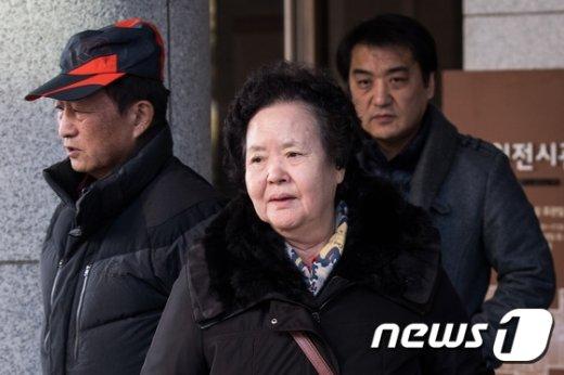 [사진]'이태원 살인사건' 아들 살해범 20년만에 유죄 바라본 유가족