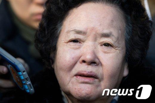 [사진]눈물 글썽이는 이태원살인사건 피해자 어머니