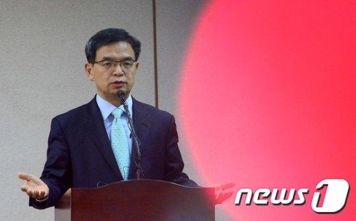[사진]중대결심은 변호인단 총사퇴?