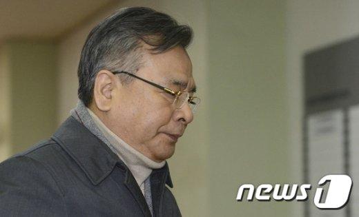 [사진]박영수 특검 '설연휴 출근'