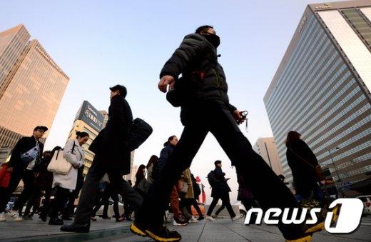 서울 광화문네거리 출근길 모습. /뉴스1DB