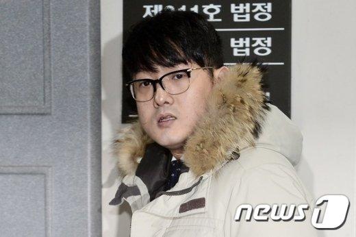 [사진]'박헌영, 증인 신분으로 공판 출석'