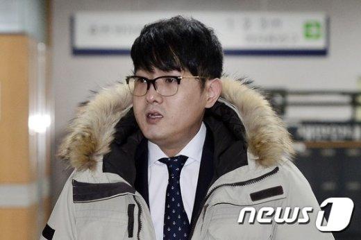 [사진]법정 향하는 박헌영