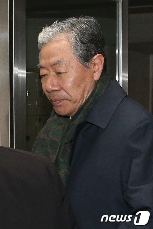 [사진]최순실 재판 참석하는 이경재 변호사