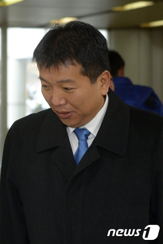 [사진]피고인 출석하는 김영주 전 포레카 대표