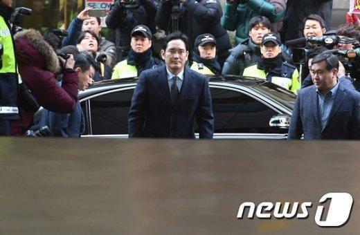 [사진]이재용 삼성전자 부회장 특검 출석