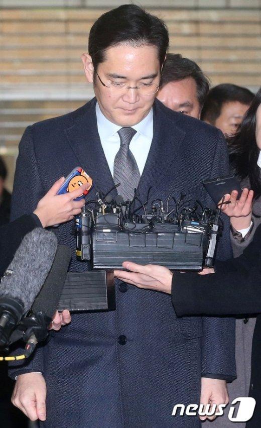 [사진]고개 떨군 이재용