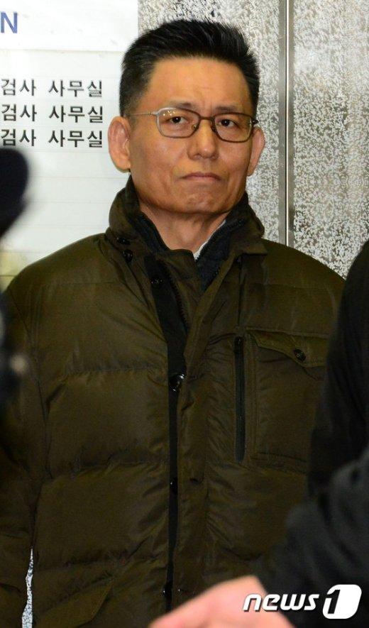 [사진]피의자 신분으로 특검 소환된 황성수 전무
