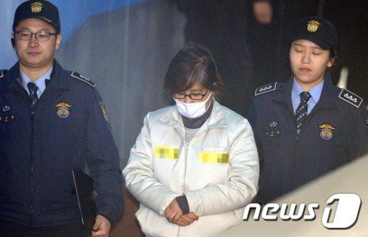 국정농단 혐의로 구속 기소된 최순실 씨. 2017.2.13/뉴스1 © News1 박정호 기자