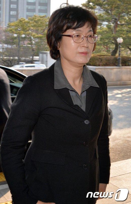 [사진]이정미 헌재소장 권한대행의 출근길