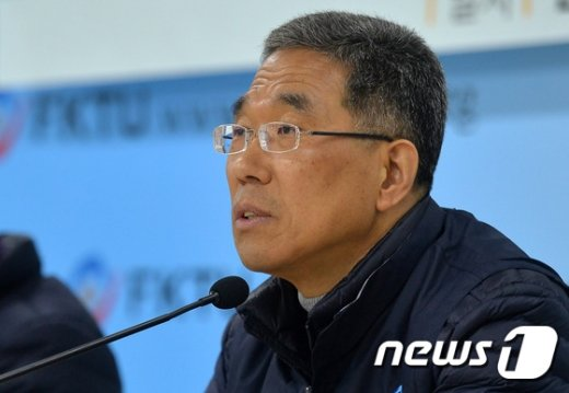 [사진]발언하는 김주영 위원장
