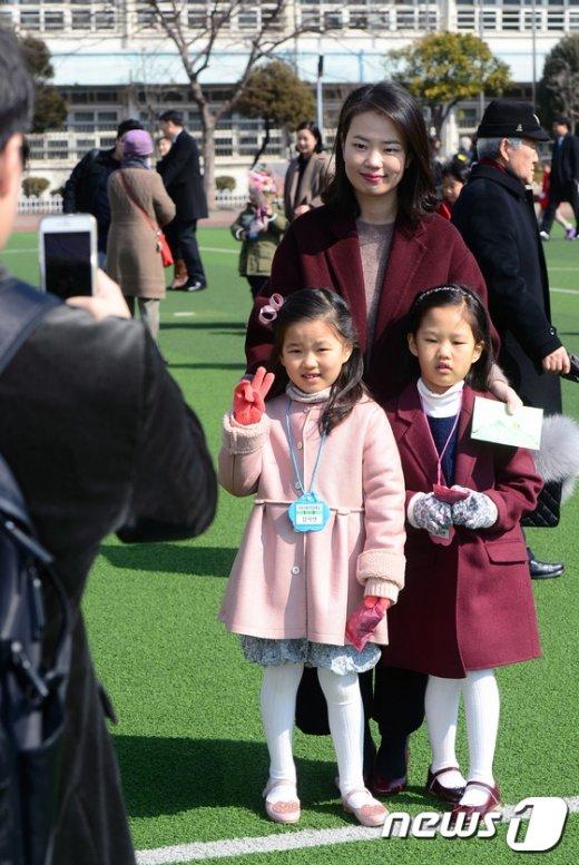 [사진]같이 입학한 쌍둥이 자매