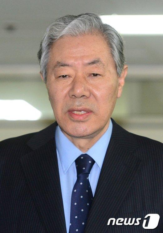 [사진]이경재 변호사 '특검 자체가 위헌법률에 의한 검찰기구'