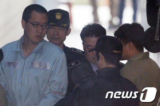 한화그룹 김승연 회장의 셋째 아들 김동선씨(왼쪽) © News1 황기선 기자
