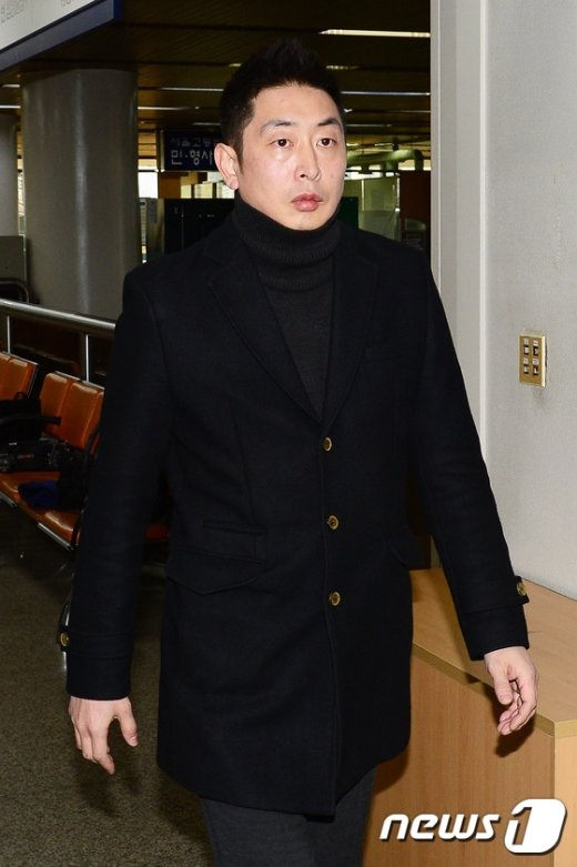 [사진]김성현 미르재단 사무부총장 '증인으로 법정 출석'