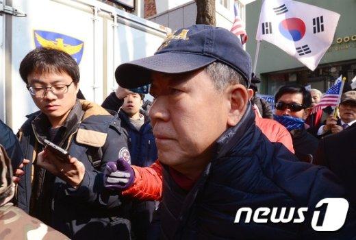 [사진]김평우 변호사 '비장한 표정'