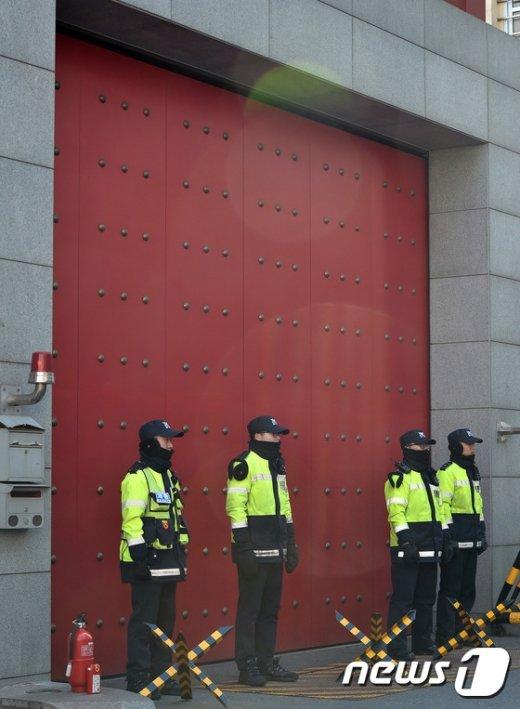 [사진]중국의 사드보복 '굳게 닫힌 대사관'
