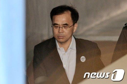 [사진]김종 '법정 향해'