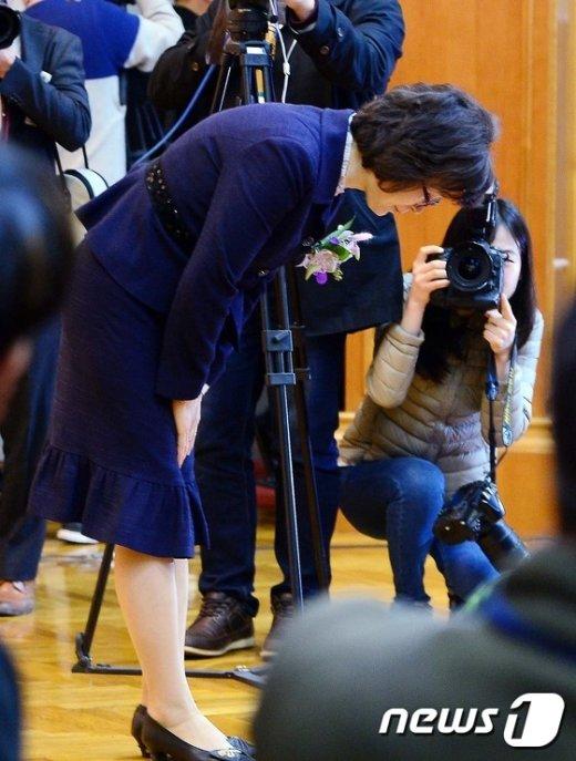 [사진]퇴임 인사하는 이정미 권한대행