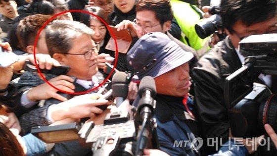 조원진 자유한국당 의원(빨간원)/ 사진=윤준호 기자