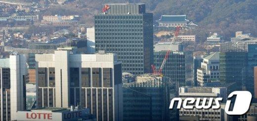 [사진]檢, 박 전 대통령·SK·롯데 수사' 착수