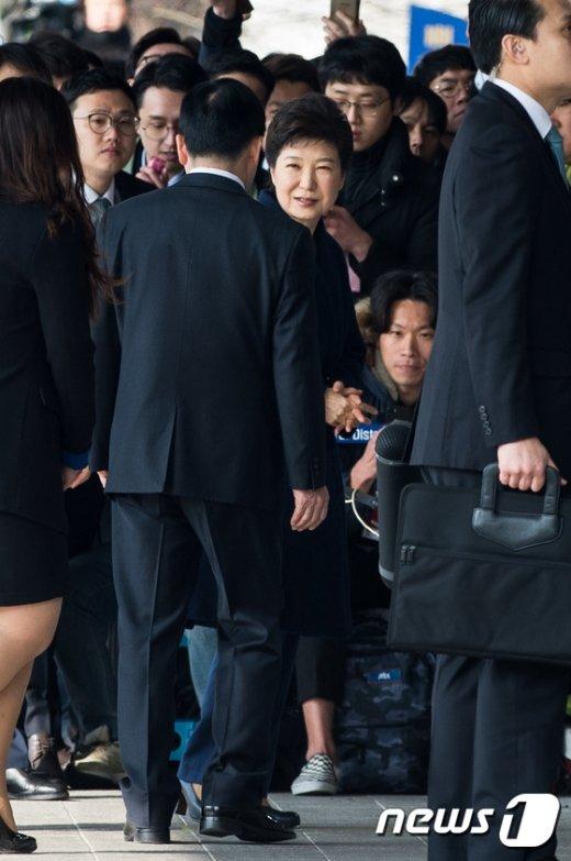 [사진]헌정사상 첫 파면 대통령 박근혜, 검찰 소환