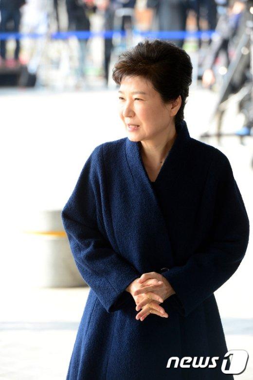 [사진]박근혜 '검찰 출석'