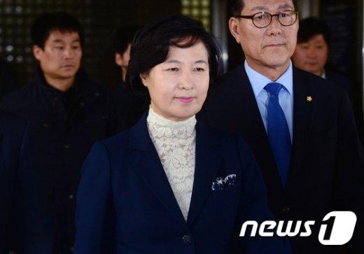 [사진]추미애 대표 '벌금 80만원 선고, 의원직 유지'
