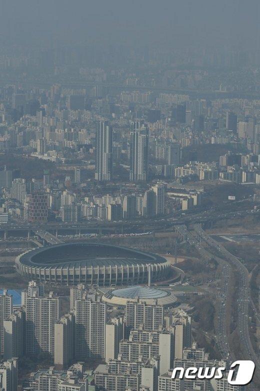 [사진]미세먼지로 흐린 서울