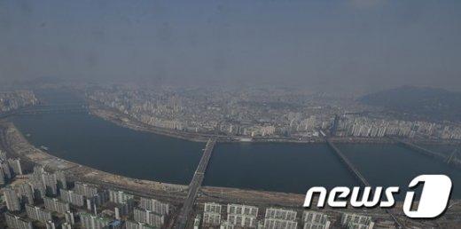 [사진]서울 하늘 뒤덮은 미세먼지