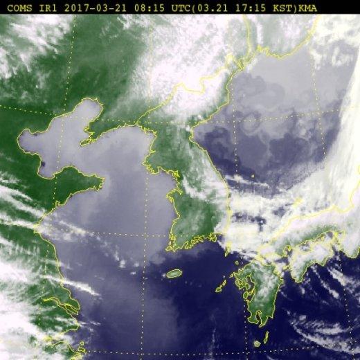 21일 오후 5시15분 기준 전국 위성사진. (기상청) © News1