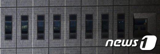 [사진]베일에 가린 박근혜 전 대통령 조사실