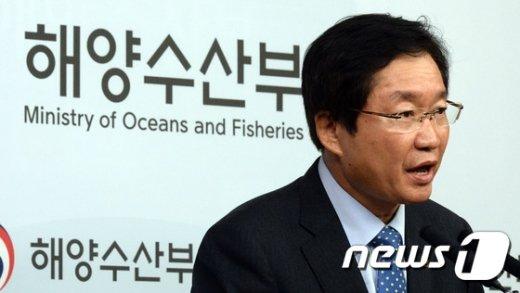 [사진]기자간담회 갖는 김영석 장관