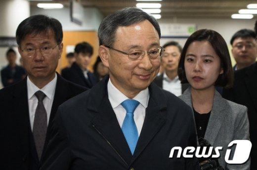 [사진]황창규 KT 회장 '국정농단 재판 증언대 선다'