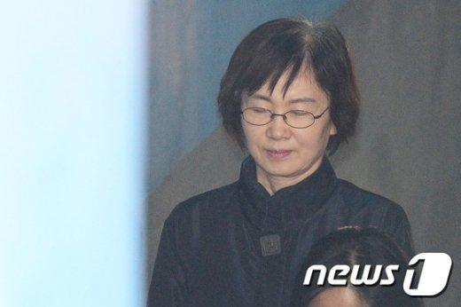 [사진]눈감은 최경희 전 이화여대 총장