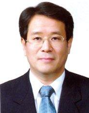 ▲이일환 동아대 국제전문대학원 교수