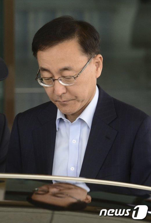 [사진]김수남 총장 '임기 다 채울까?'