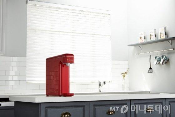 SK매직의 '슈퍼미니 정수기'(레드) 이미지/사진제공=SK매직