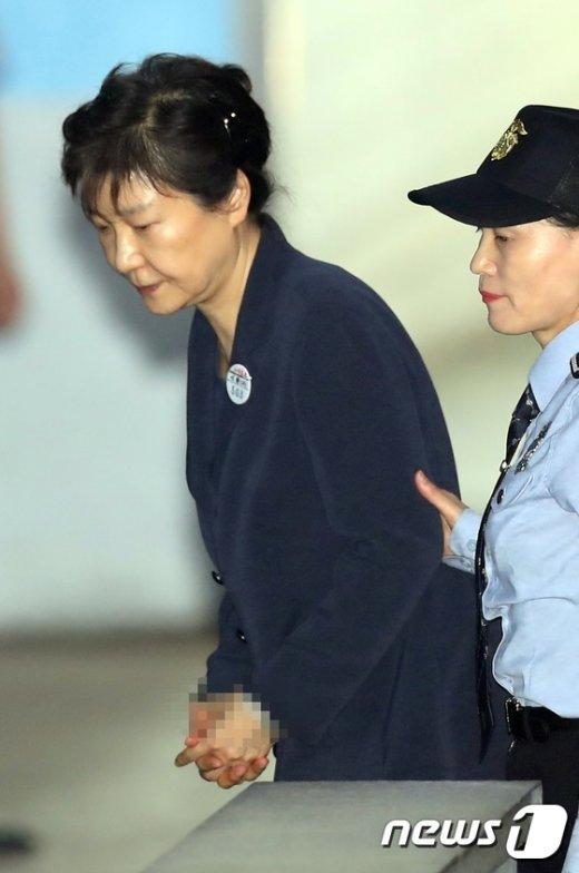 [사진]다시 법정으로 가는 박근혜 전 대통령