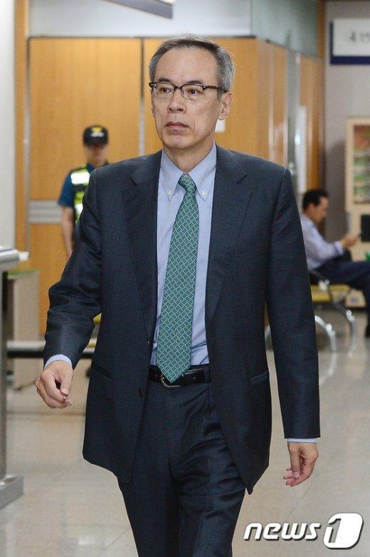 [사진]주진형, 朴 전 대통령 공판 증인으로 출석