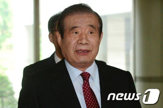 [사진]박근혜 전 대통령 재판 방청 온 한광옥 전 靑 비서실장