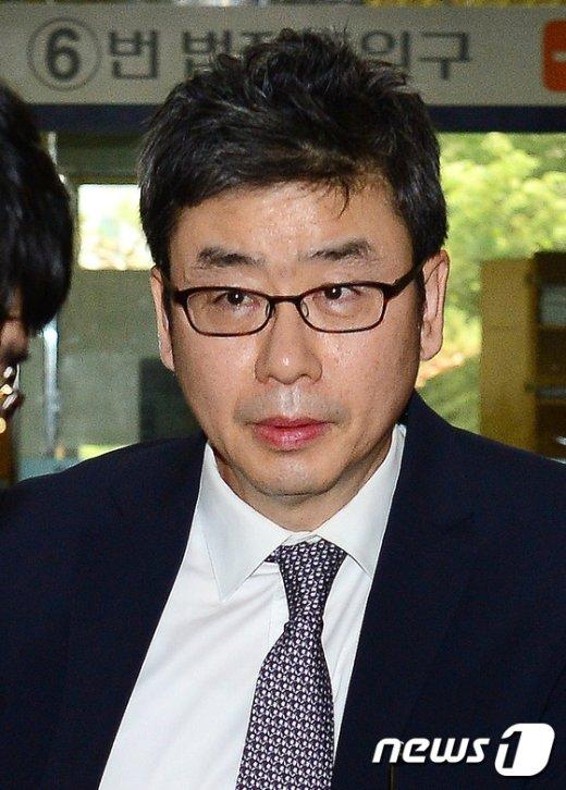 [사진]김성민 '증인으로 왔어요'