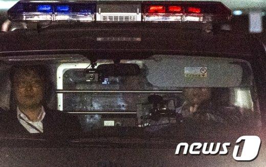 [사진]검찰조사 끝내고 구치소 향하는 정유라