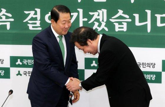 박주선 국민의당 비상대책위원장과. /사진=뉴스1