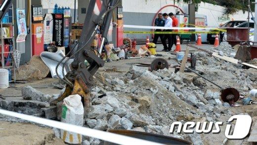 [사진]아수라장 된 사당역 인근 주유소 폭발현장