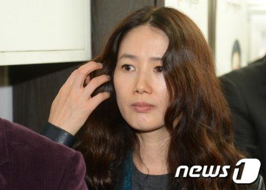 '외상후 스트레스 장애' 증상으로 수면제를 과다복용하다가 병원에 입원한 배우 심은하씨./뉴스1 © News1 손형주 기자