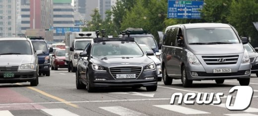[사진]도심을 달리는 자율주행차 '스누버'