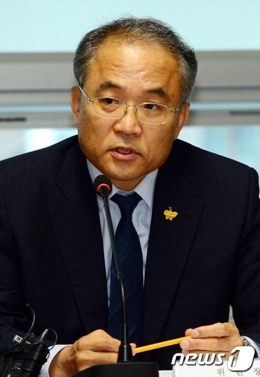 [사진]발언하는 김창준 선체조사위원장